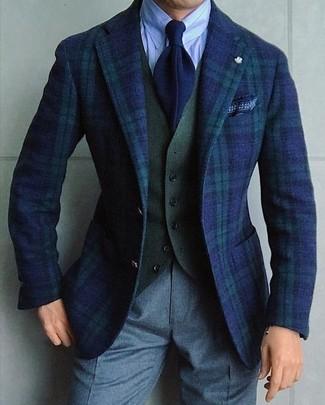 Cómo combinar: blazer de tartán en azul marino y verde, chaleco de vestir de lana verde oliva, camisa de vestir de rayas verticales celeste, pantalón de vestir de lana gris