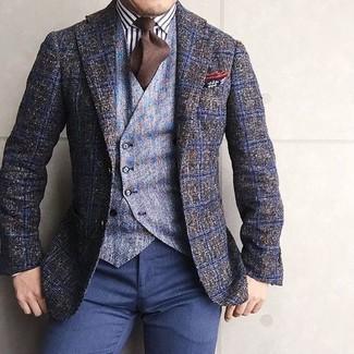 Cómo combinar un pañuelo de bolsillo de seda en tabaco: Un blazer de lana a cuadros verde oliva y un pañuelo de bolsillo de seda en tabaco son una opción excelente para el fin de semana.