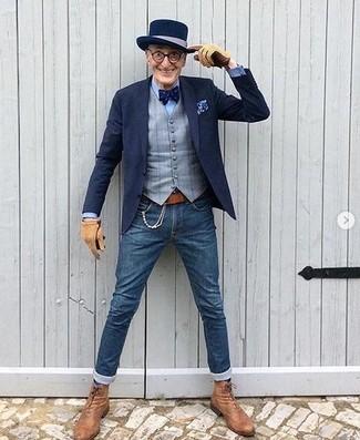 Cómo combinar: blazer azul marino, chaleco de vestir a cuadros gris, camisa de vestir celeste, vaqueros pitillo azules