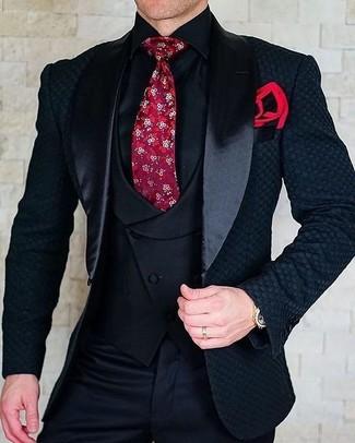 Cómo combinar: blazer de satén negro, chaleco de vestir negro, camisa de vestir negra, pantalón de vestir negro