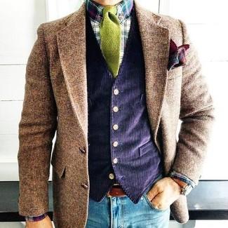 Cómo combinar: blazer de lana marrón, chaleco de vestir de pana azul marino, camisa de vestir de tartán en multicolor, vaqueros pitillo azules