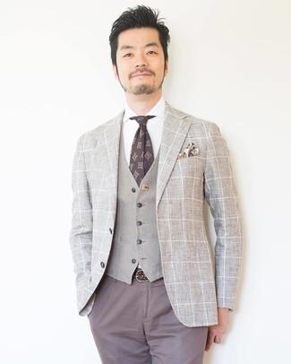 Cómo combinar una corbata estampada en marrón oscuro: Considera ponerse un blazer a cuadros en beige y una corbata estampada en marrón oscuro para un perfil clásico y refinado.