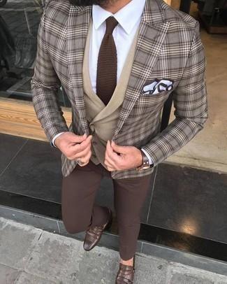 Cómo combinar una corbata de punto marrón: Utiliza un blazer de tartán marrón y una corbata de punto marrón para rebosar clase y sofisticación. Zapatos con doble hebilla de cuero marrónes son una opción muy buena para complementar tu atuendo.