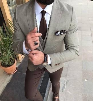 Cómo combinar una corbata en marrón oscuro: Opta por un blazer a cuadros en beige y una corbata en marrón oscuro para un perfil clásico y refinado. Zapatos con doble hebilla de cuero marrónes son una opción práctica para complementar tu atuendo.