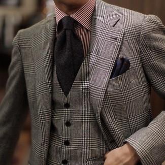 Cómo combinar: blazer de lana de tartán gris, chaleco de vestir de lana de tartán gris, camisa de vestir de rayas verticales roja, corbata negra
