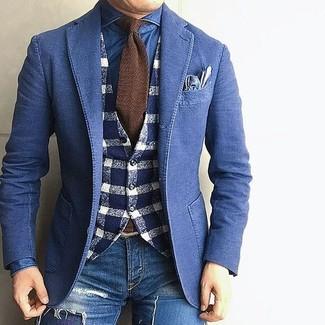 Cómo combinar unos vaqueros pitillo desgastados azul marino para hombres de 40 años: Haz de un blazer vaquero azul y unos vaqueros pitillo desgastados azul marino tu atuendo transmitirán una vibra libre y relajada.