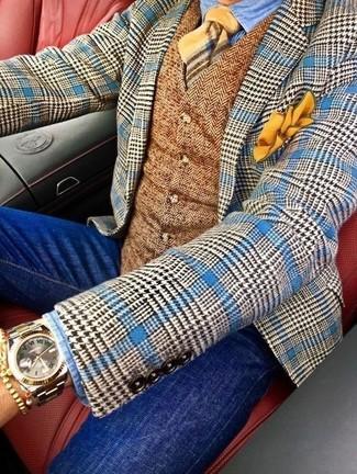 Cómo combinar: blazer de lana de pata de gallo azul, chaleco de vestir de lana de espiguilla marrón, camisa vaquera celeste, vaqueros pitillo azules