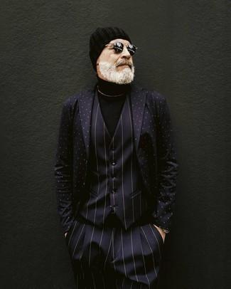 Cómo combinar un gorro negro: Considera ponerse un blazer a lunares en azul marino y blanco y un gorro negro para un look agradable de fin de semana.