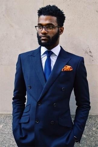 Cómo combinar: blazer cruzado azul marino, camisa de vestir de tartán en blanco y azul, corbata de seda azul, pañuelo de bolsillo de seda naranja