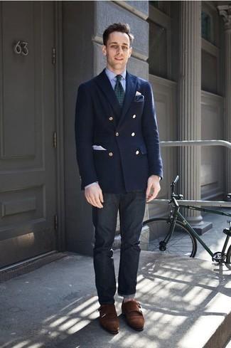 Cómo combinar una corbata estampada verde oscuro: Opta por un blazer cruzado azul marino y una corbata estampada verde oscuro para un perfil clásico y refinado. Si no quieres vestir totalmente formal, haz zapatos con doble hebilla de ante en marrón oscuro tu calzado.