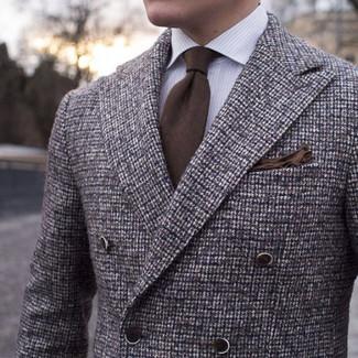 Cómo combinar: blazer cruzado de lana a cuadros marrón, camisa de vestir de rayas verticales blanca, corbata marrón, pañuelo de bolsillo marrón
