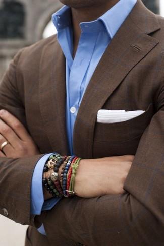 Cómo combinar una pulsera verde oliva: Ponte un blazer a cuadros en marrón oscuro y una pulsera verde oliva transmitirán una vibra libre y relajada.