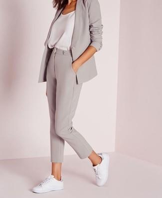 5666608251 Cómo combinar unos pantalones pitillo grises (62 looks de moda ...
