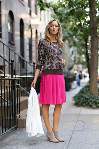5dde8f969 Cómo combinar una falda midi plisada rosa (48 looks de moda) | Moda ...