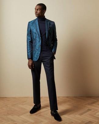 Cómo combinar un mocasín de ante negro: Considera ponerse un blazer de brocado en verde azulado y un pantalón de vestir azul marino para una apariencia clásica y elegante. Complementa tu atuendo con mocasín de ante negro.