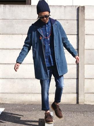 Cómo combinar: blazer vaquero azul, sudadera con capucha azul marino, camisa de manga larga estampada azul, vaqueros azul marino