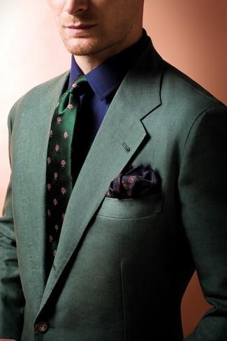 Algo tan simple como optar por un blazer verde oscuro y una camisa de vestir azul marino puede distinguirte de la multitud.
