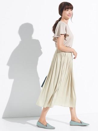 e0661af09 Cómo combinar una falda midi plisada en beige (22 looks de moda ...