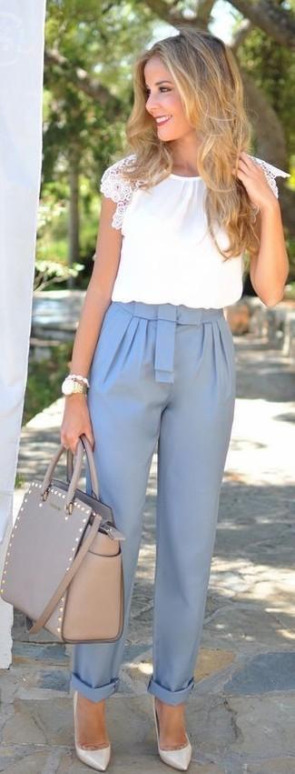 Como Combinar Unos Pantalones Celestes Con Una Blusa Blanca Estilo Elegante 7 Outfits Lookastic Espana