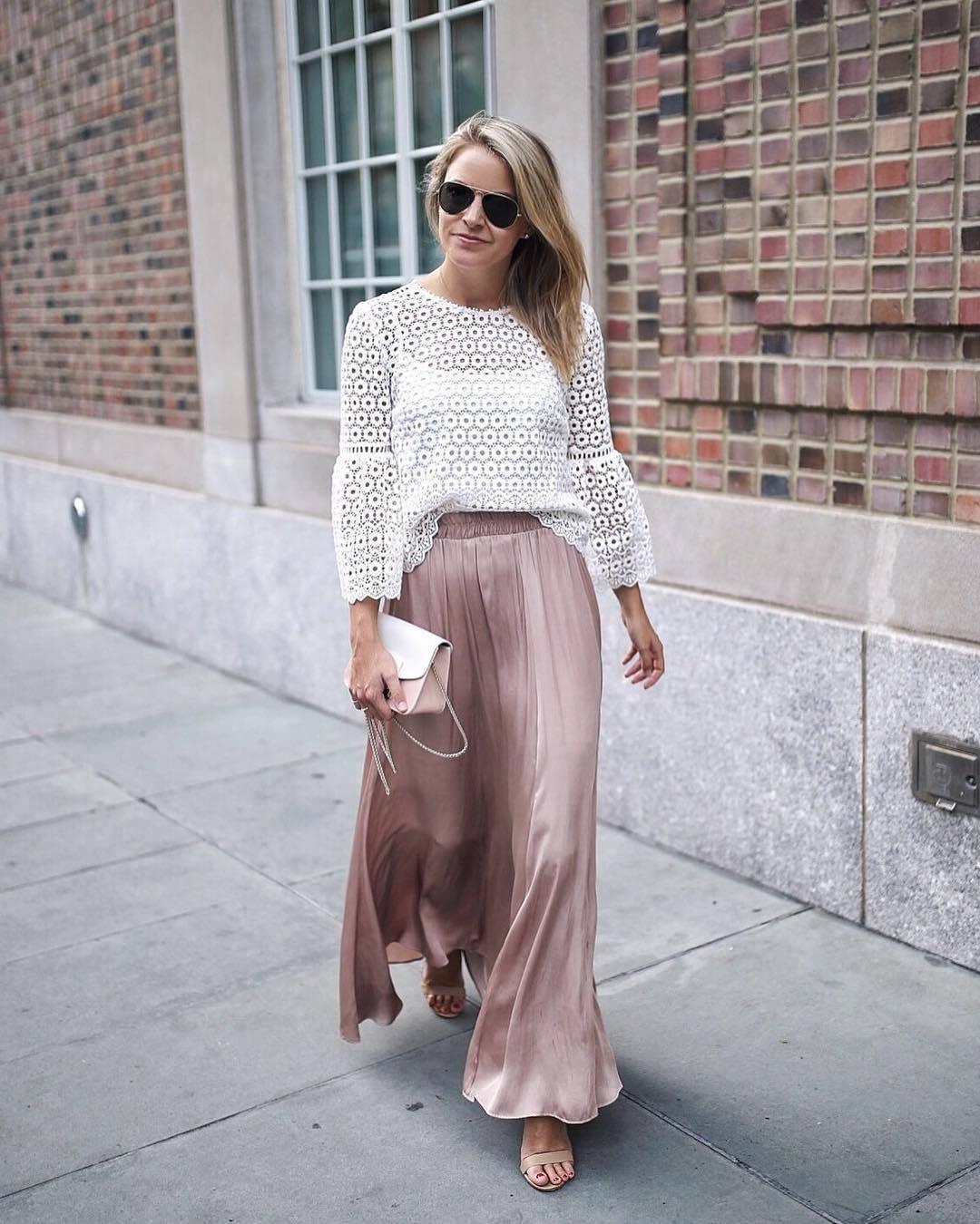 1de18639e Cómo combinar una falda larga plisada rosa (11 looks de moda) | Moda ...