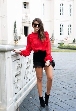 Como Combinar Una Blusa En Rojo Y Azul Marino Para Mujeres De 20 Anos En Verano 2021 Estilo Elegante 4 Outfits Lookastic Espana