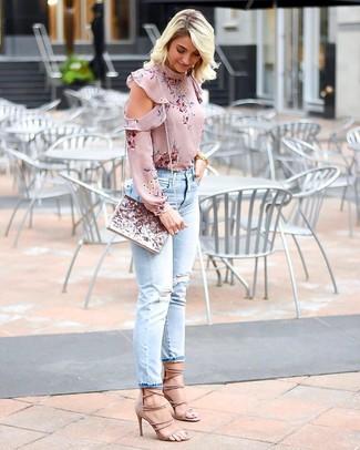 3c840ad7e Look de moda: Blusa de manga larga con print de flores rosada ...