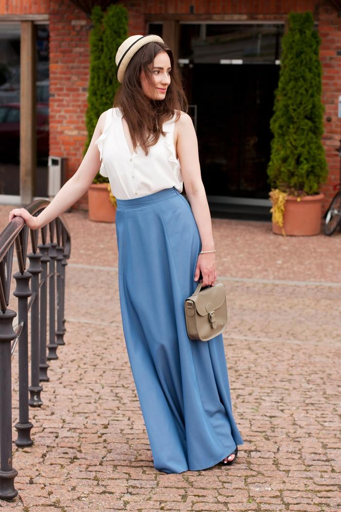 8be9ab706d Cómo combinar una falda larga azul (20 looks de moda)