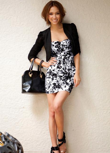 Como combinar un vestido negro de flores