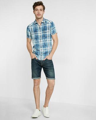 115ce136c9 Cómo combinar unos pantalones cortos vaqueros azul marino (50 looks ...