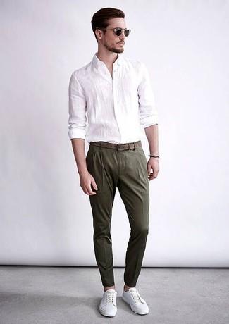 Cómo Combinar Un Pantalón De Vestir En Verde Azulado Con