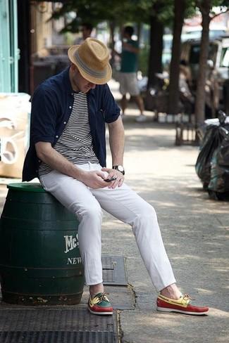 Intenta combinar una camisa de manga larga azul marino junto a un sombrero de paja marrón claro para cualquier sorpresa que haya en el día. Náuticos de cuero en multicolor son una opción incomparable para complementar tu atuendo.
