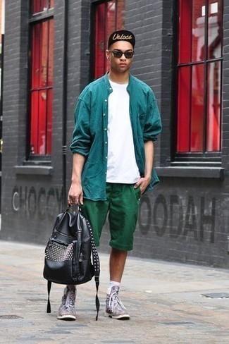 Cómo combinar unos calcetines blancos: Para un atuendo tan cómodo como tu sillón haz de una camisa de manga larga en verde azulado y unos calcetines blancos tu atuendo. Agrega botas casual de cuero en multicolor a tu apariencia para un mejor estilo al instante.