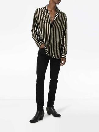 Cómo combinar: camisa de manga larga de rayas verticales en negro y dorado, vaqueros negros, botines chelsea de cuero negros