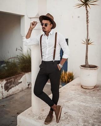 Cómo combinar unos tirantes: Para un atuendo tan cómodo como tu sillón casa una camisa de manga larga blanca con unos tirantes. ¿Te sientes valiente? Opta por un par de alpargatas de ante marrónes.