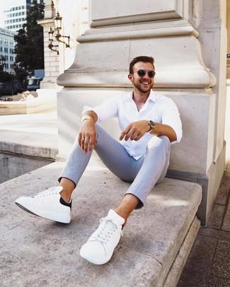 Cómo combinar una pulsera dorada: Emparejar una camisa de manga larga blanca junto a una pulsera dorada es una opción buena para el fin de semana. Con el calzado, sé más clásico y completa tu atuendo con tenis de cuero en blanco y negro.