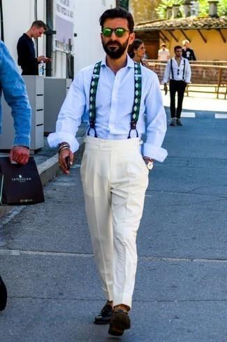 Cómo combinar una camisa de manga larga con un mocasín con borlas: Emparejar una camisa de manga larga junto a un pantalón de vestir blanco es una opción estupenda para una apariencia clásica y refinada. Mocasín con borlas son una opción inmejorable para completar este atuendo.