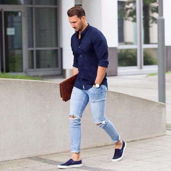 aaf25ad730219 Look de moda  Camisa de manga larga azul marino