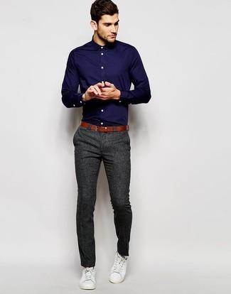 varios estilos zapatos casuales de calidad superior Cómo combinar un pantalón de vestir en gris oscuro con unos ...