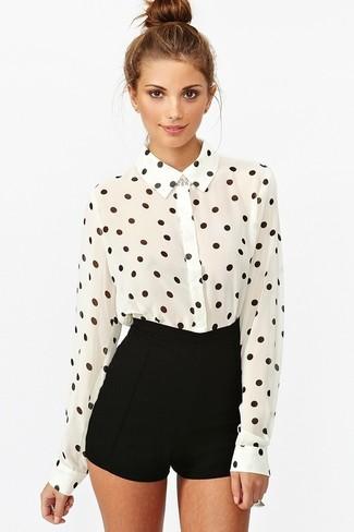 bb35d37331bba Cómo combinar una camisa de vestir de gasa en blanco y negro (18 ...