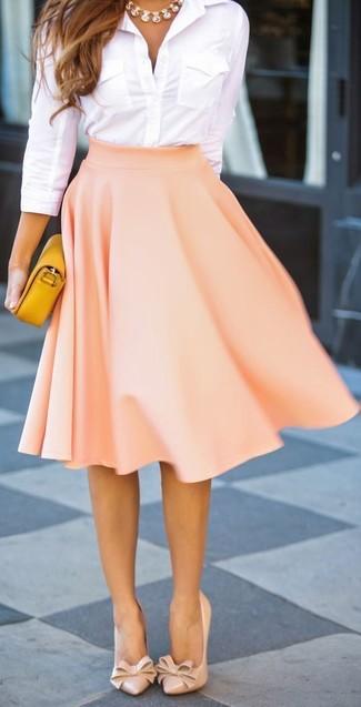 79e11d123 Cómo combinar una falda campana en beige estilo elegante (3 looks de ...