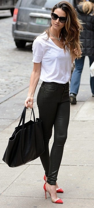 cuero combinar Cómo blanca camiseta de con vaqueros pitillo zapatos negros circular cuello UnzTxn