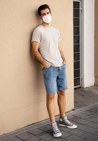 Como Combinar Unos Pantalones Cortos Vaqueros Azules 94 Outfits Lookastic Espana