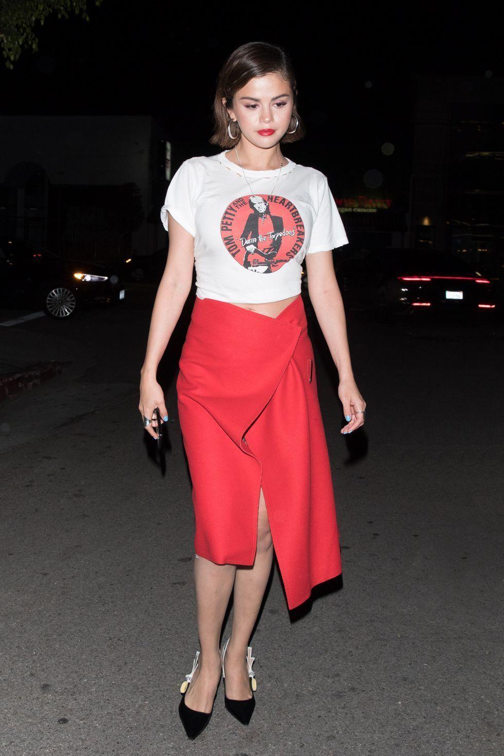 9442d8835 Falda Circular Roja Corta   Wig Elegance