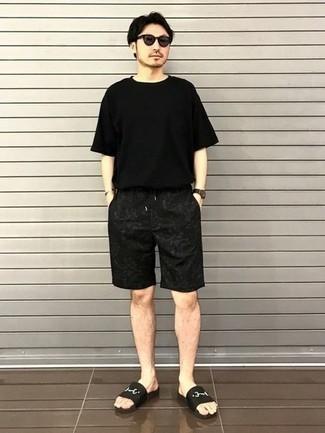 Pantalones cortos estampados negros de Fendi