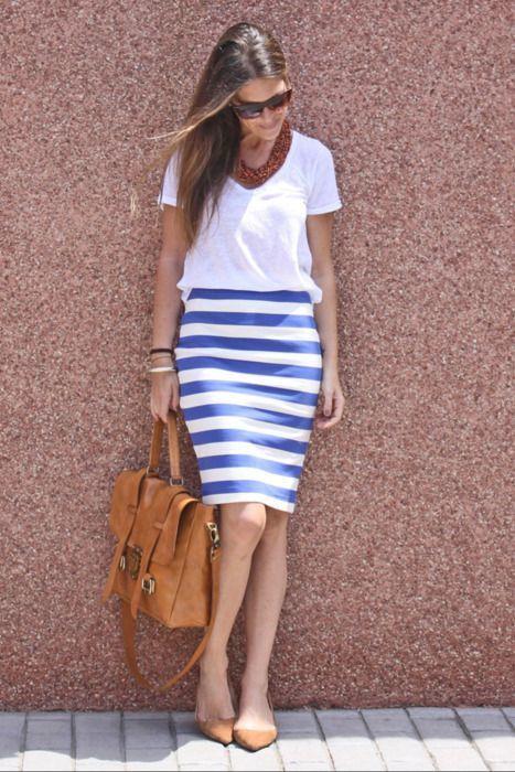 f4e93d53c combinar falda rayas blanca y azul