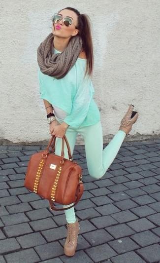 Como Combinar Unos Pantalones En Verde Menta En Clima Calido 37 Outfits Lookastic Espana