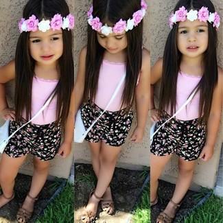 801d26d69ab Moda para Niñas Look de moda  Camiseta sin manga rosada
