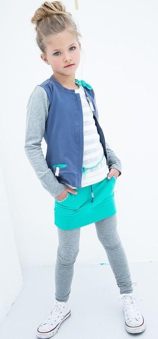 Cómo combinar: cárdigan azul, camiseta blanca, falda en turquesa, leggings grises