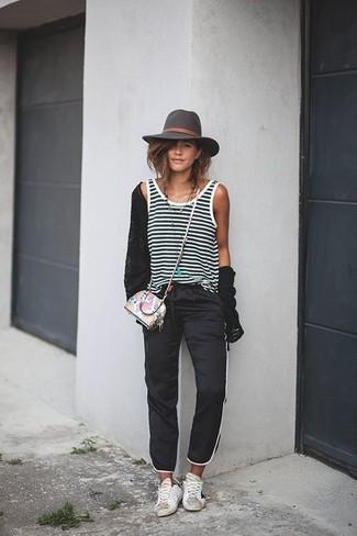 07db750b7061e Cómo combinar un sombrero en gris oscuro (127 looks de moda)