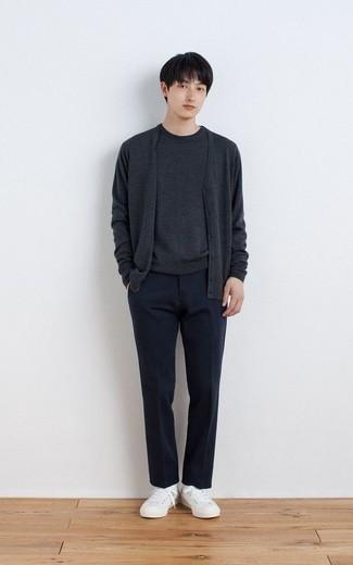 Como Combinar Un Pantalon De Vestir Azul Marino Para Hombres Adolescentes 5 Outfits Lookastic Espana